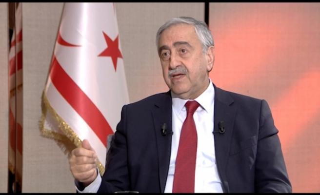 Akıncı, Kayıp Şahıslar Komitesi'ne 75 bin euro bağış yaptı