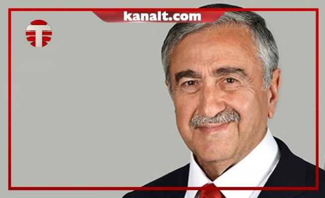 """""""Bayrak Üstünden Ucuz Siyaset Alışkanlığı Hala Bitmedi"""""""