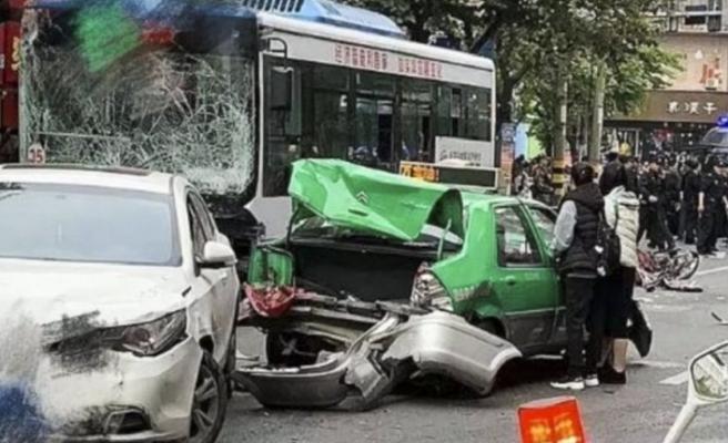 Çin'de kaçırdığı otobüsle kalabalığın arasına dalan saldırgana idam cezası verildi