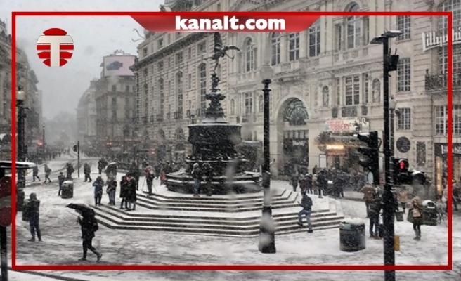 Londra Beyaza Büründü