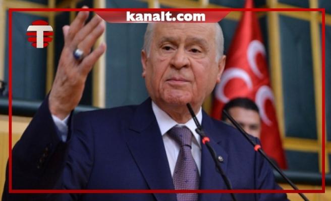 MHP Lideri Devlet Bahçeli, Prompter'a Yanlış Konuşmanın Yansıtılmasına Sinirlendi: Kaldırın Bunları!