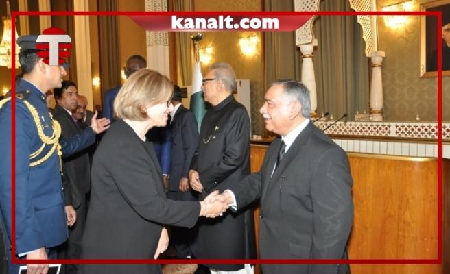 Yüksek Mahkeme Başkanı Şefik Pakistan'da Törene Katıldı