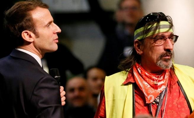 Fransa Cumhurbaşkanı olmanın dayanılmaz hafifliği: Talep daha yüksek maaşsa ben de Sarı Yelekliyim