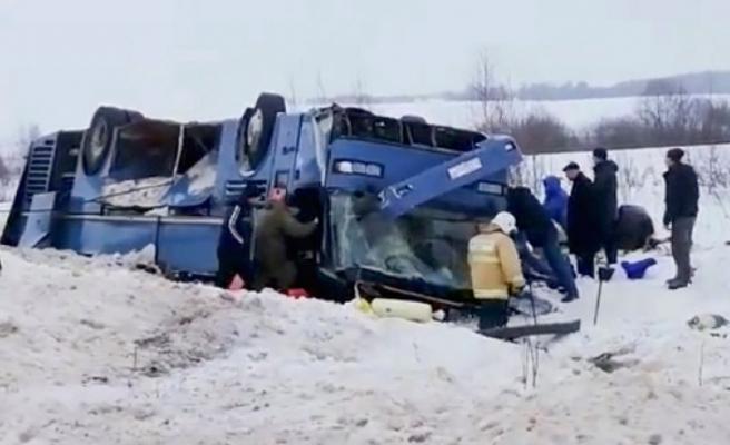 Otobüs ters döndü! Feci kaza...