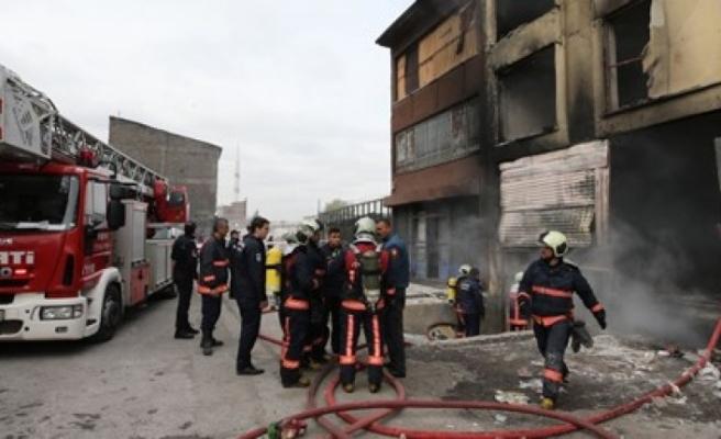 Ankara'da sanayi sitesinde yangın: 5 kişi hayatını kaybetti