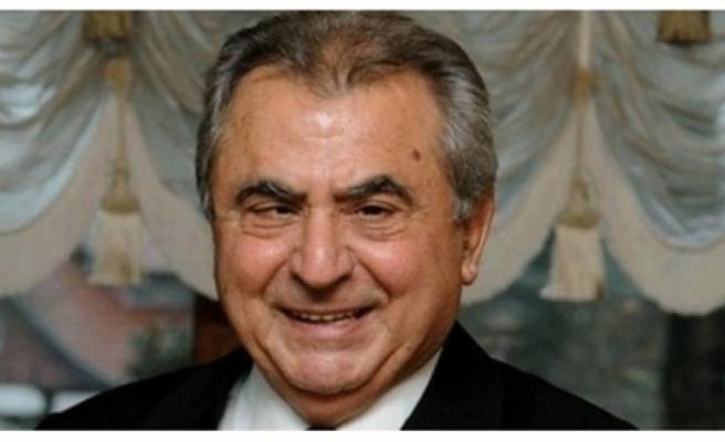 Eski Başbakan İrsen Küçük vefat etti