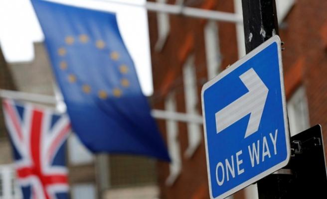 İngiltere AB'den Brexit'in ertelenmesini istedi