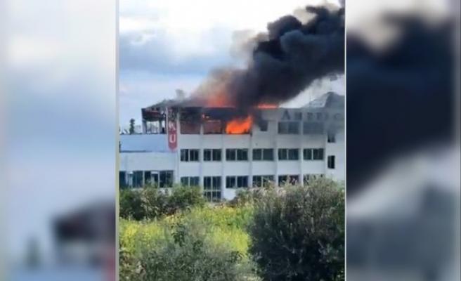 Milenyum binasında çıkan yangını söndürme çalışmaları sürüyor