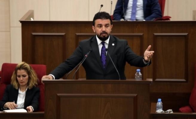Zaroğlu 3 CTP'li Vekili Özür Dilemeye Davet Etti