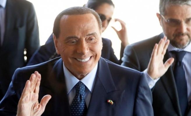 Berlusconi hastanaye kaldırıldı