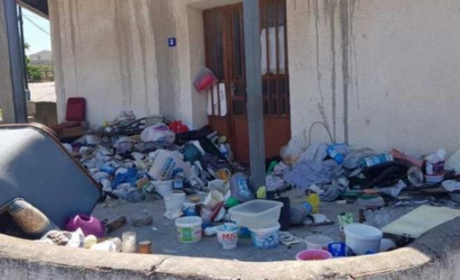 Esentepe'de çöp eve belediye müdahale edecek