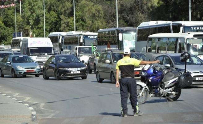Polisten trafiği ihlal eden sürücülere sıkı denetim!
