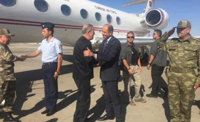TC Milli Savunma Bakanı Akar KKTC'ye geldi