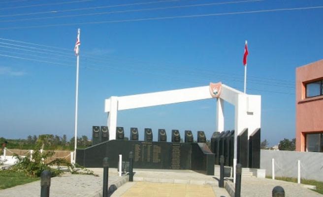 Şehitler Anıtı'nın hali üzdü