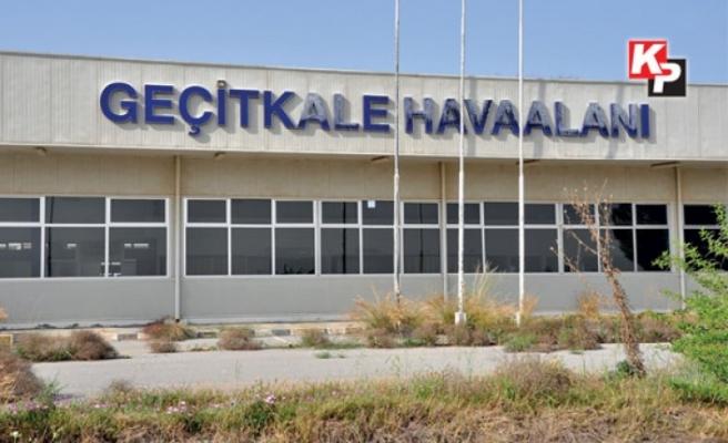 Geçitkale Havaalanı'nda eğitim uçağı düştü: 2 kişinin hayatını kaybettiği iddia ediliyor