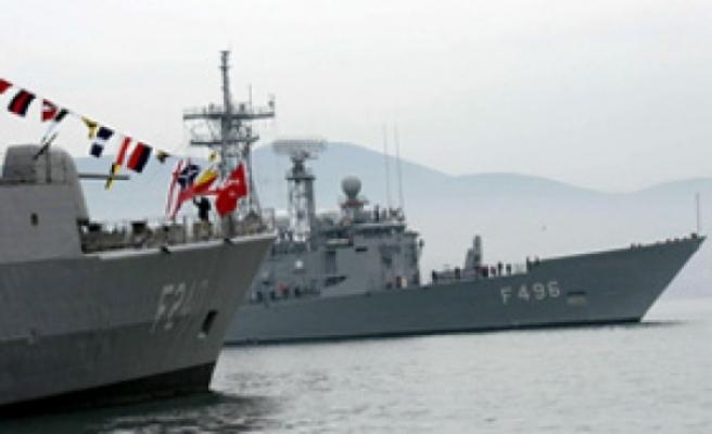 Türk Donanması Libya'da... 4 fırkateyn bölgeye intikal etti
