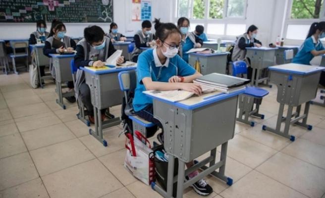 Çin'de Salgının Başlangıç Yeri Olan Hubei Eyaletinde Okullar Kısmen Açıldı