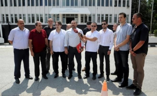Sendikal Platform, bugün Çalışma ve Sosyal Güvenlik Bakanlığı önünde eylem yaptı.