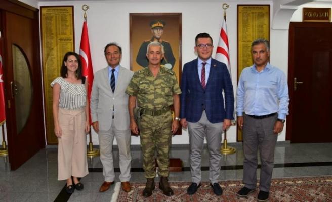 Arslanbaş, Tümgeneral Tevfik Algan'ı kutladı