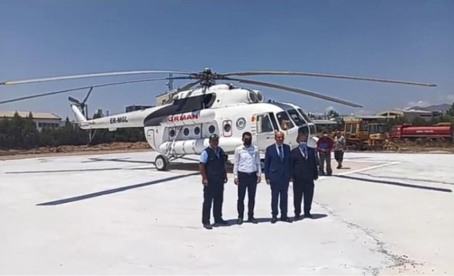 Başbakan Ersin Tatar Türkiye'den gönderilen yangın helikopterini inceledi