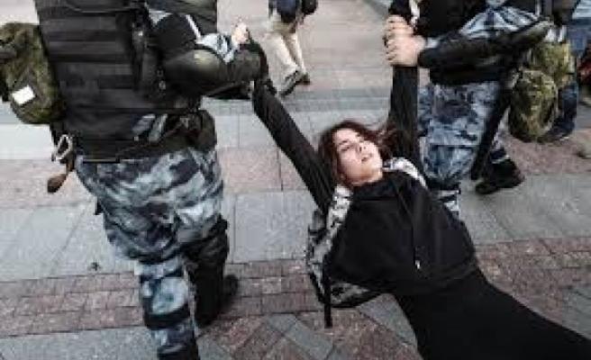 Moskova'daki izinsiz gösterilerde 132 kişi gözaltına alındı