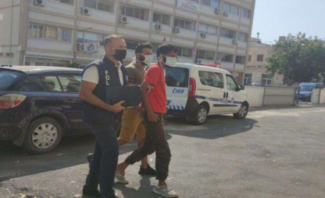 Covid testleri negatif çıkan 2 Suriyeli 8 gün daha tutuklu kalacak