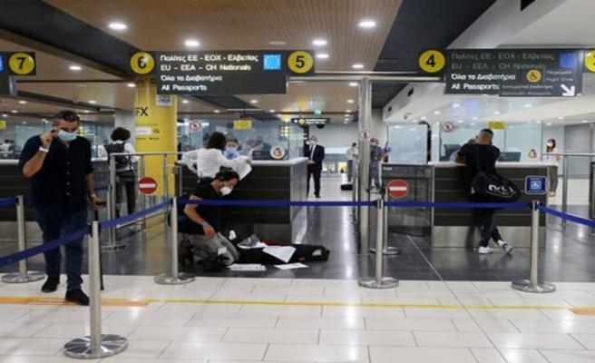 Güney Kıbrıs: Yunanistan'ın B kategorisine alınması seyahatlerde kaosa neden oldu