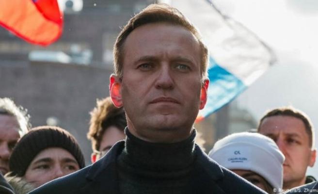 Rus muhalif siyasetçi Navalni'nin zehirlendiği iddia ediliyor