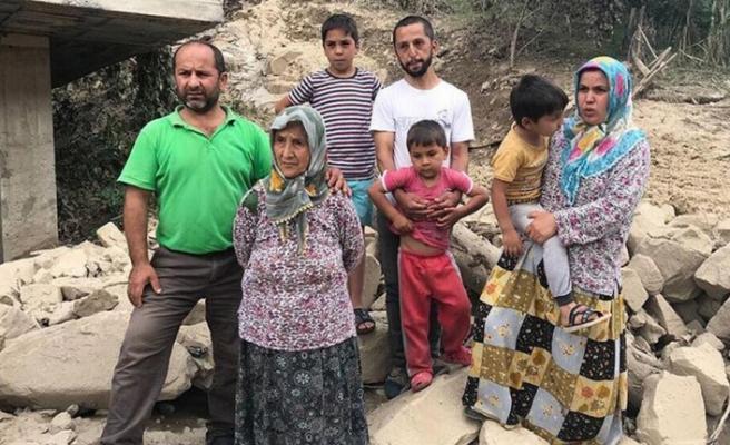 Selde mahsur kalan aile 'Daha zorda olanlar var' diye helikopterle kurtarılmayı istemedi