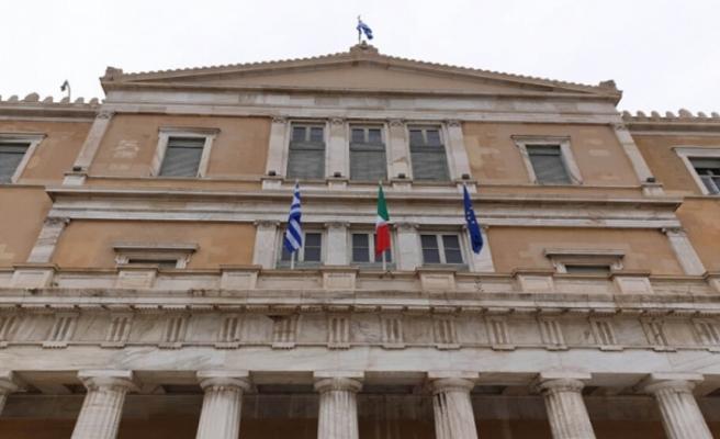 Yunanistan Parlamentosundaki Mısır ve İtalya ile deniz anlaşmaları oylaması ertelendi