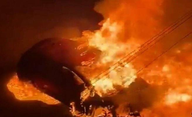 2 araç cayır cayır yandı