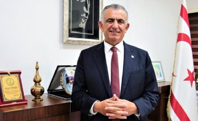 Çavuşoğlu  UBP Genel Başkanlığına aday olduğunu açıkladı.
