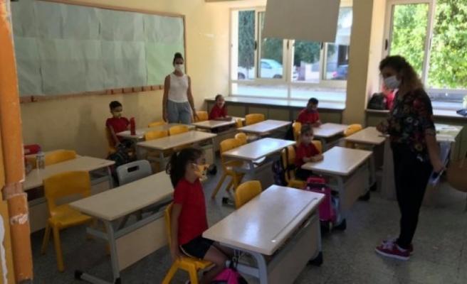 İlkokul 3, 4 ve 5'inci sınıflarda da eğitime başlandı