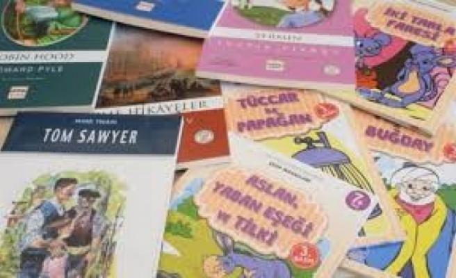 İskeleli Bir Yardımsever Şehit İlker Karter İlkokulu'na 128 Kitap Bağışladı