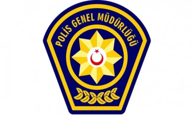 Polis bazı bölgelerde sandıklarda usülsüz oy kullananları saptadı