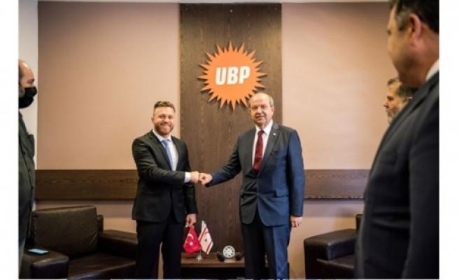Rauf Denktaş'tan Ersin Tatar'a destek ziyareti