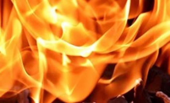 Salamis Kamp alanında yangın