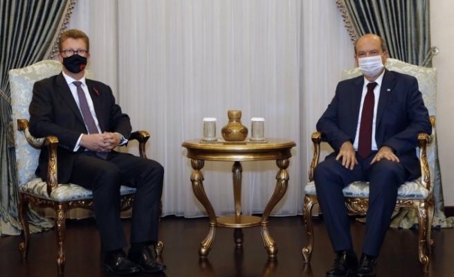 Cumhurbaşkanı Tatar, İngiliz Yüksek Komiseri Lillie'yi kabul etti