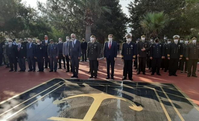 21-25 Aralık Mücadele ve Şehitler Haftası kapsamında, Girne Deniz Şehitliği'nde  anma töreni düzenlendi