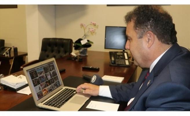 """Başbakan Ersan Saner  """"AA'nın Yıllın Fotoğrafları """"  Oylamasına Katıldı"""