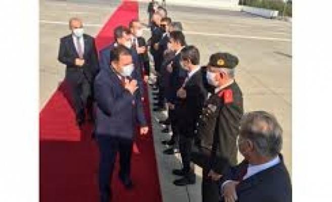 Başbakan Ersan Saner'den Anıtkabir'e ziyaret