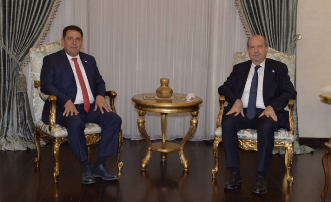 Cumhurbaşkanı Tatar siyasi parti başkanlarıyla görüşme başlattı