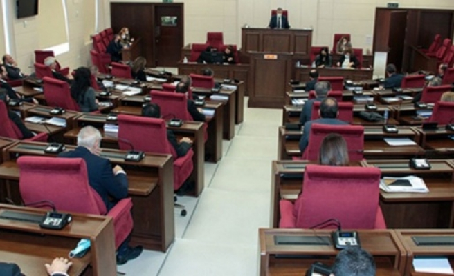 Genel Kurul'da Özgürgün'ün istifa oylaması ve 13. maaşlar konuşuldu