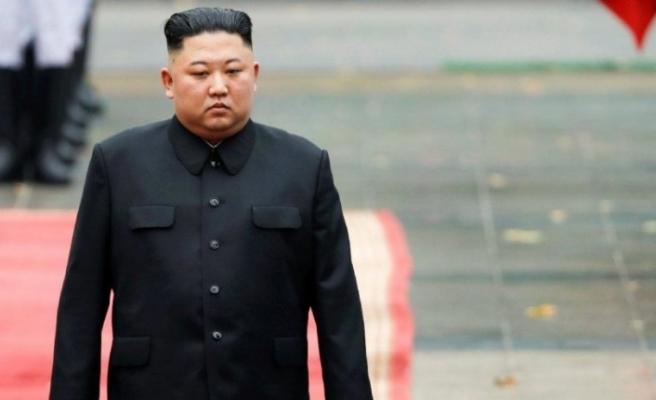 Kendini de idam edecek mi ? Kim Jong-un'u da corona vurdu...