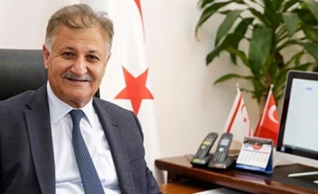 """Sağlık Bakanı Ali Pilli: """"Gerekirse 21 gün sokağa çıkma yasağı uygularız"""""""
