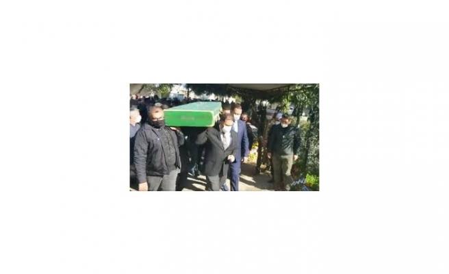 Başbakan Ersan Saner'in kayınpederini  son yolculuğuna uğurladı