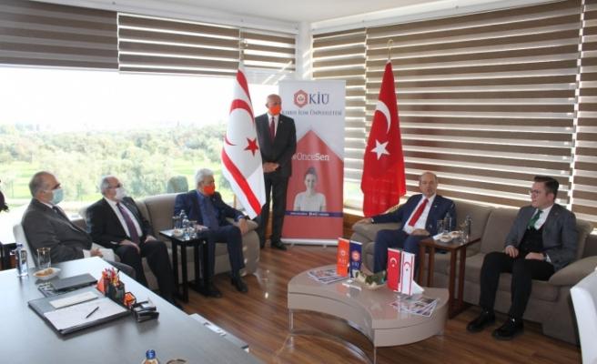 Cumhurbaşkanı Tatar KİÜ'yi ziyaret ederek önemli açıklamalarda bulundu