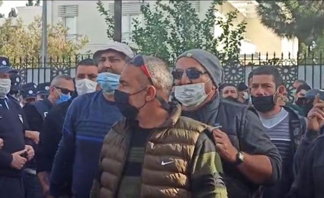 Güney Kıbrıs'ta çalışan işçiler yine yeniden eylemde