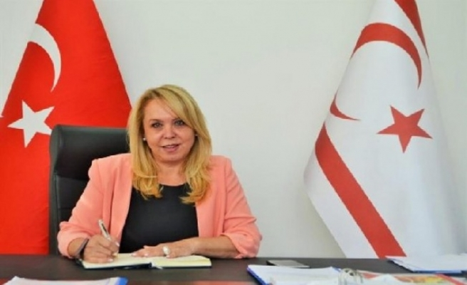 Öksüzoğlu: Ekonomiye katkı için kadın istihdamına da yer verilmeli