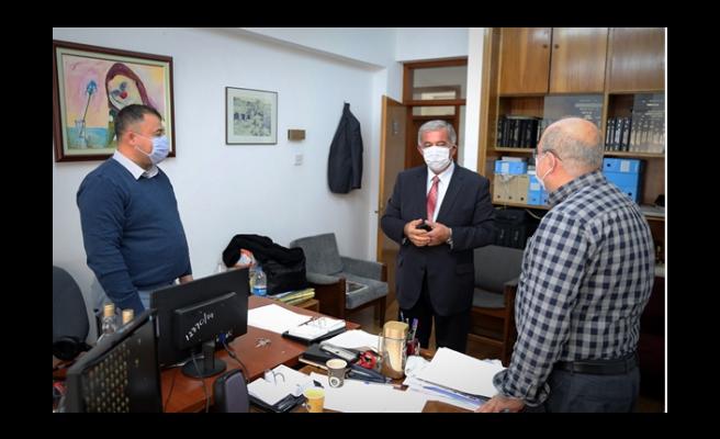 Önder Sennaroğlu, Meclis personeli ile bir araya geldi